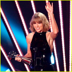 Taylor Swift Thanks Boyfriend 'Adam' at iHeartRadio Music Awards 2016 (Video)