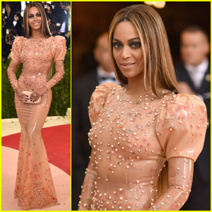 Beyonce Looks Fierce in Latex Givenchy at Met Gala 2016