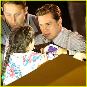 Brad Pitt Saves Little Girl from Being Crushed By Crowd