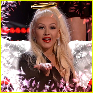 Christina Aguilera Has Snapchat Fun on 'The Voice' Finale!