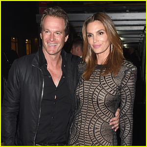 Cindy Crawford Changes Up Look For Met Gala 2016 After Party