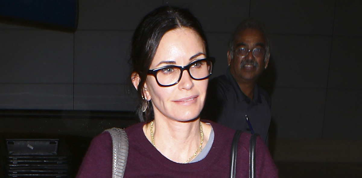 Courteney cox is back home after spending time in london for Cox at home