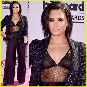 Demi Lovato Slays on Billboard Music Awards 2016 Red Carpet!