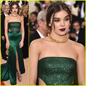 Hailee Steinfeld Shows Off Leg at MET Gala 2016