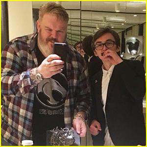 Game of Thrones' Hodor & Bran Eat Cake Together After 'Hold the Door' Episode
