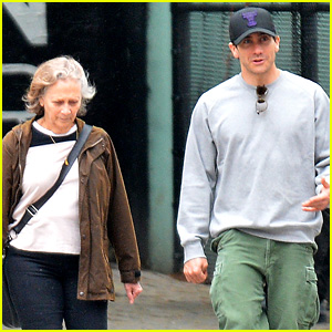 Jake Gyllenhaal Steps Out After 'Sunday' Musical News!