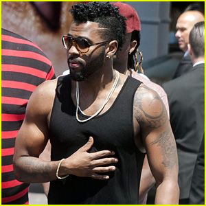 Jason Derulo Bares His Huge Arm Muscles at Cannes