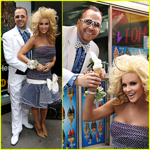 Jenny McCarthy & Donnie Wahlberg Go Retro for Prom Radio Launch