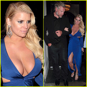 Jessica Simpson Shows Off Her Assets in Plunging Blue Dress!