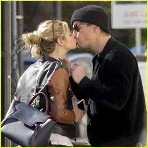 Josh Hartnett Packs on the PDA With Tamsin Egerton