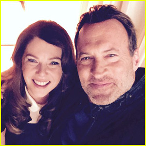 Lauren Graham & Scott Patterson Celebrate 'Gilmore Girls' Wrap with Cute Selfie!