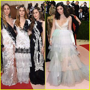 Haim & Lorde Walk The Red Carpet at Met Gala 2016