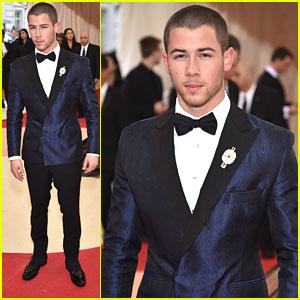 Nick Jonas Suits Up For Met Gala 2016