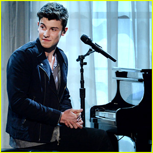 Shawn Mendes' Billboard Music Awards 2016 Performance Video - Watch Now!