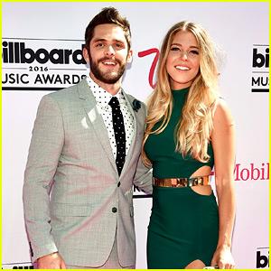 Thomas Rhett Thanks Wife Lauren for Billboard Music Awards 2016 Win!