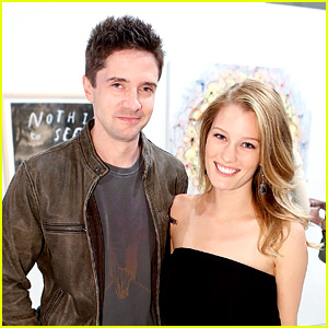 Topher Grace & Ashley Hinshaw Are Married!