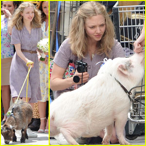 Amanda Seyfried Hangs Out With a Pig for 'The Clapper'