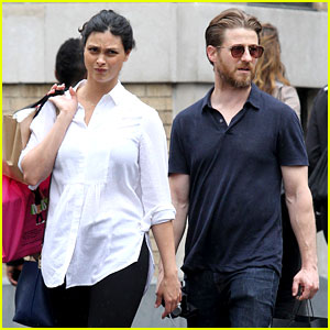 Ben McKenzie & Morena Baccarin Kick Off the Weekend with Some Shopping