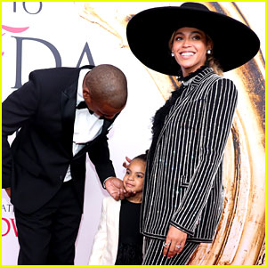 Blue Ivy Carter Supports Mom Beyonce at CFDA Awards 2016