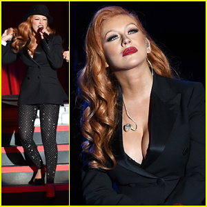 Christina Aguilera Debuts New Red Hair At Hillary Clinton's 'She's With Us' Fundraiser Concert!