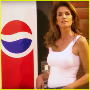 Cindy Crawford Recreates Iconic Pepsi Ad With Emojis