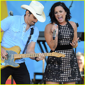 Demi Lovato Performs 'Without a Fight' with Brad Paisley on 'GMA' (Video)