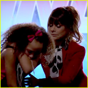 Girl Vomits on Paula Abdul During 'So You Think You Can Dance' Auditions (Video)