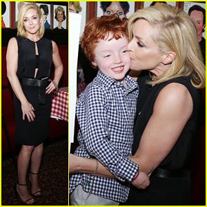 Jane Krakowski Dedicates 'She Loves Me' Role To Her Sick Father!