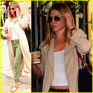 Jennifer Aniston Runs Errands During Mid-Week NYC Outing