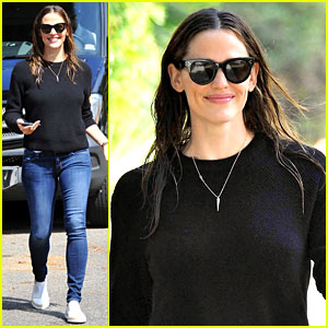 Jennifer Garner to Receive Giving Tree Award from Baby2Baby