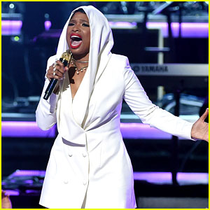 Jennifer Hudson Pays Tribute to Prince at BET Awards 2016 with Tori Kelly & Stevie Wonder (Video)