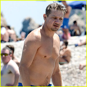 Jeremy Renner Goes Shirtless in Italy, Suffers Injured Finger