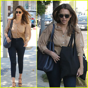 Jessica Alba Shares Her Beauty & Fashion Advice: 'Bring the Pumps Out'!
