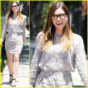 Jessica Biel Is Ready for Summer During Stroll Down Melrose
