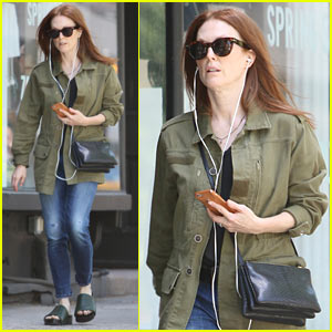 Julianne Moore Calls for Gun Law Reform After Orlando Shooting