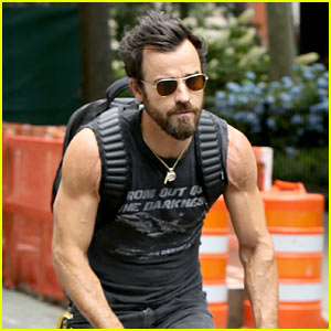 Justin Theroux Continues Baring Muscles in Sleeveless Tank!
