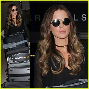 Kate Beckinsale Has Her Hands Full After Flight
