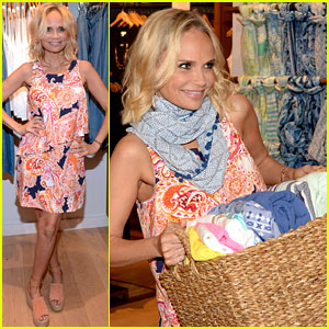 Kristin Chenoweth Gives Back After Landing 'Hairspray' Role