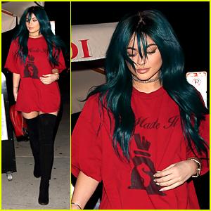 Kylie Jenner Debuts 'Throwback' Teal Hair Color