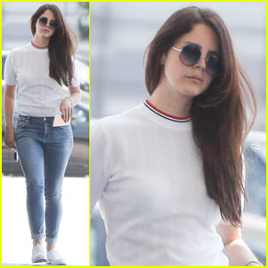 Lana Del Rey Emerges After Her 31st Birthday