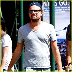 Leonardo DiCaprio Enjoys a Casual Monday Outing with Friends