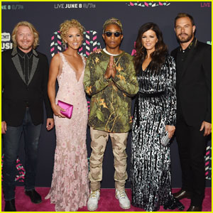 Pharrell Williams Joins Little Big Town on CMT Awards 2016 Red Carpet