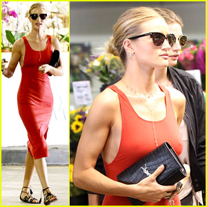 Rosie Huntington-Whiteley Got a Great Start to Her Monday!