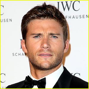 Scott Eastwood In Talks for 'Pacific Rim 2' Role
