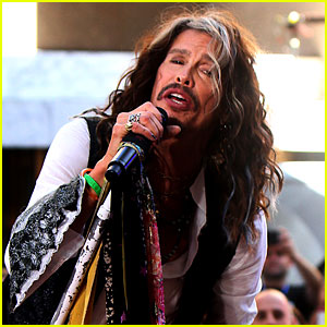 Steven Tyler Says Aerosmith Will Go On Farewell Tour in 2017
