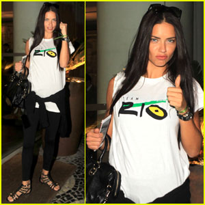 Adriana Lima Shows Her Support For Team Rio
