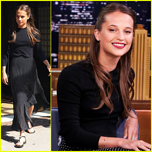Alicia Vikander Shows Jimmy Fallon How To Play Swedish Drinking Game, Pen In Bottle!