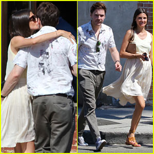 Daniel Bruhl & His Girlfriend Aren't Afraid To Show Some PDA