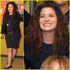 Debra Messing Set To Give Speech At Democratic National Convention!