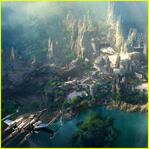 Disney Parks Debuts New Preview of Star Wars Land!